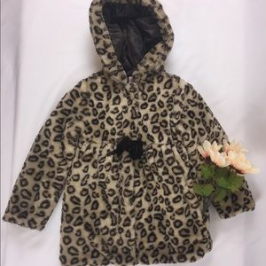 Other - A Cheetah print coat